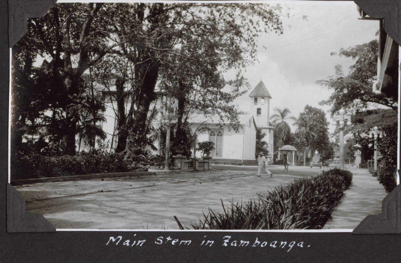 The main street in Zamboanga. Photo