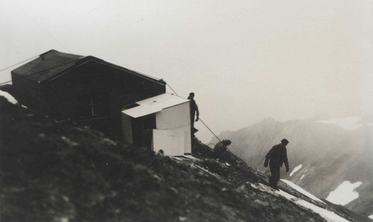 Living and electronics hut for Shoran station on Cape Wrangell. Photo