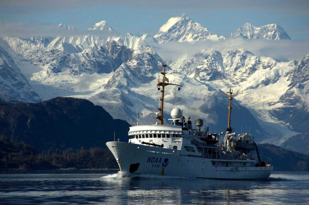 NOAA Ship FAIRWEATHER in Glacier Bay. Photo