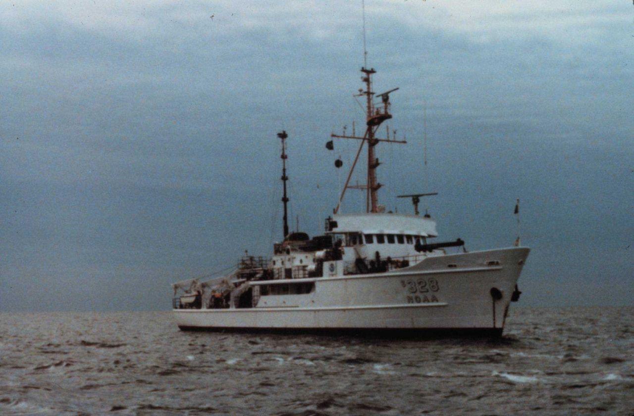 NOAA Ship WHITING. Photo
