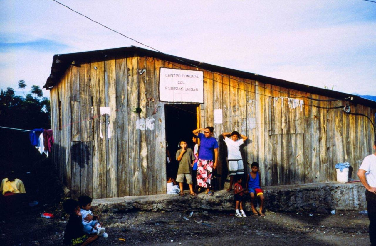 Standing communal building used as shelter in the aftermath of Hurricane Mitch Photo