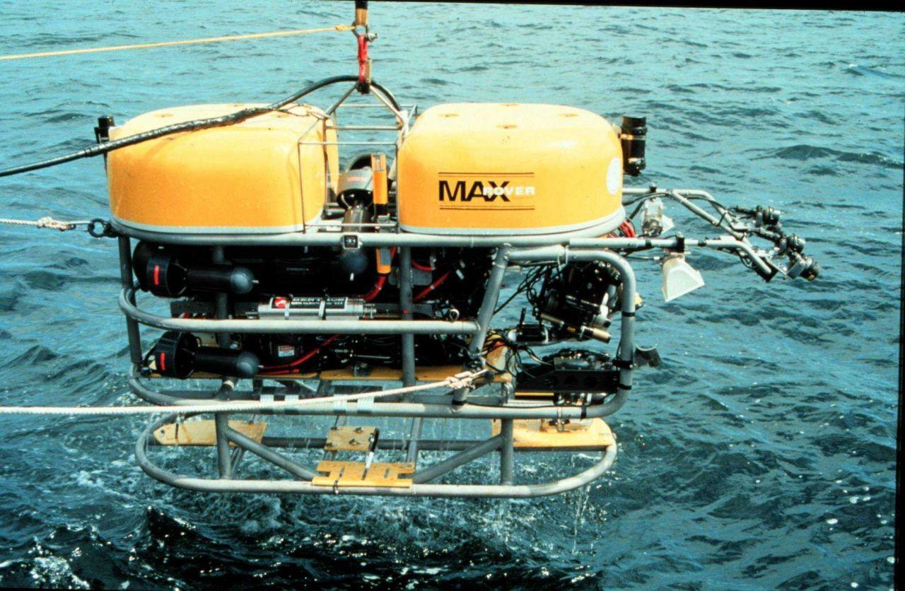 KRAKEN MaxROVer prepares to dive. Photo