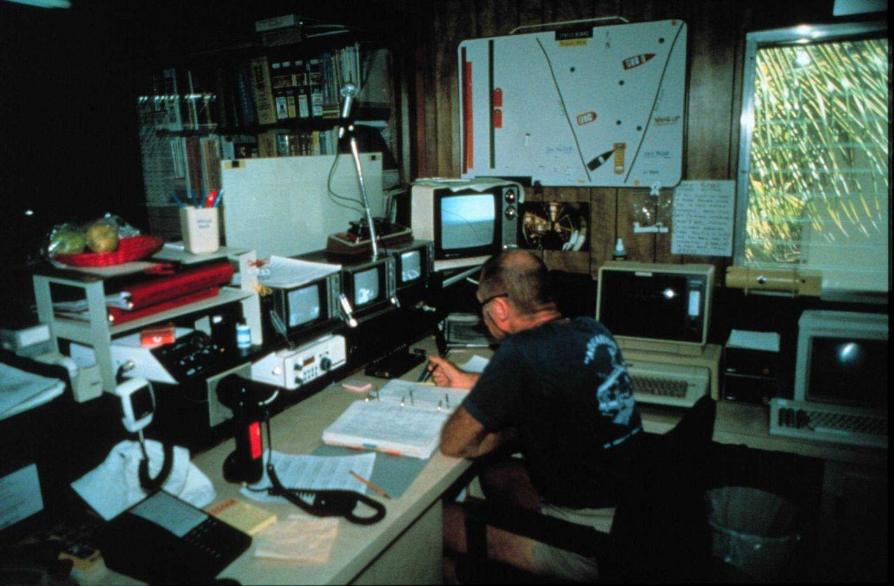 Doc Schane communicates with AQUARIUS aquanauts during decompression. Photo