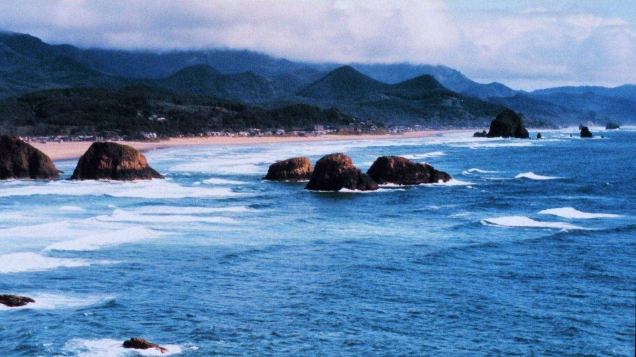 Looking south at Cannon Beach Photo