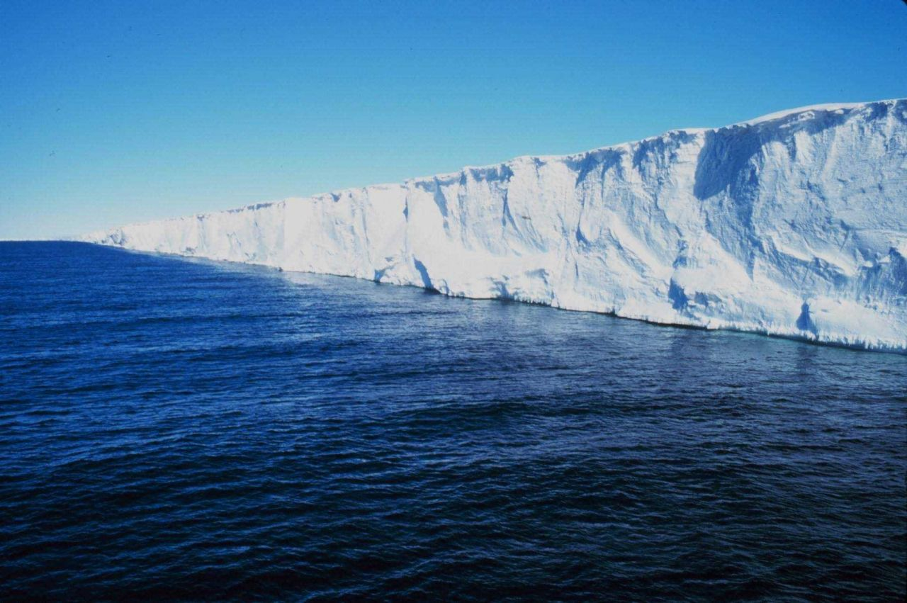 The Ross Ice Shelf from the NATHANIEL B Photo
