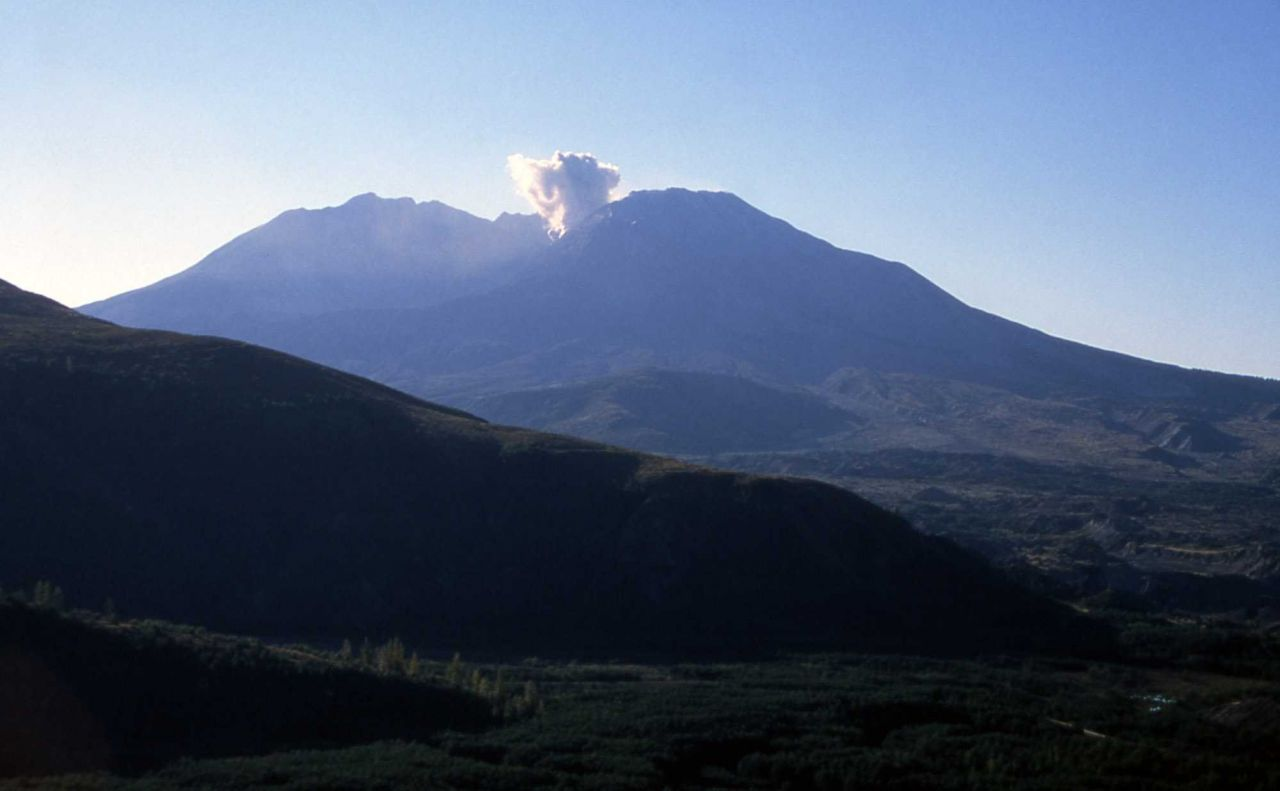Second steam & ash explosion of Mt St Helens Photo