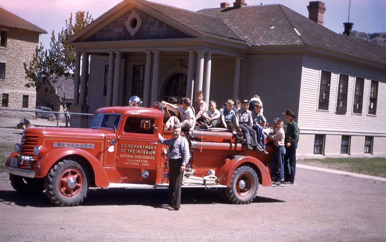 Bob Robinson with school children & the Mammoth fire truck Photo