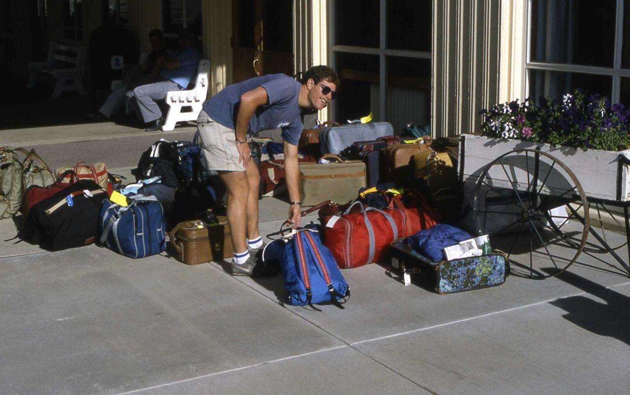 Luggage pickup Photo