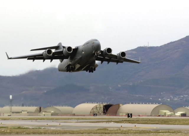 C-17 Globemaster III aircraft - C17s aiding with efforts in Lebanon Picture