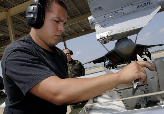 AIM-120 - Raptor crews Picture