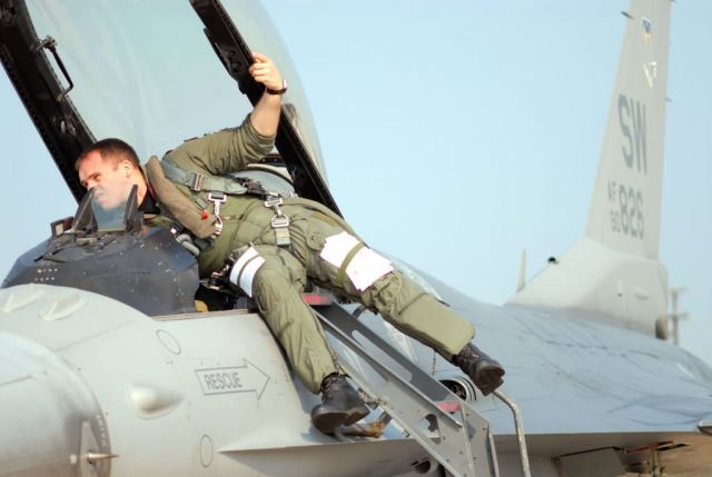 F-16 Fighting Falcon - Dynamic Weasel keeps pilots sharp Picture