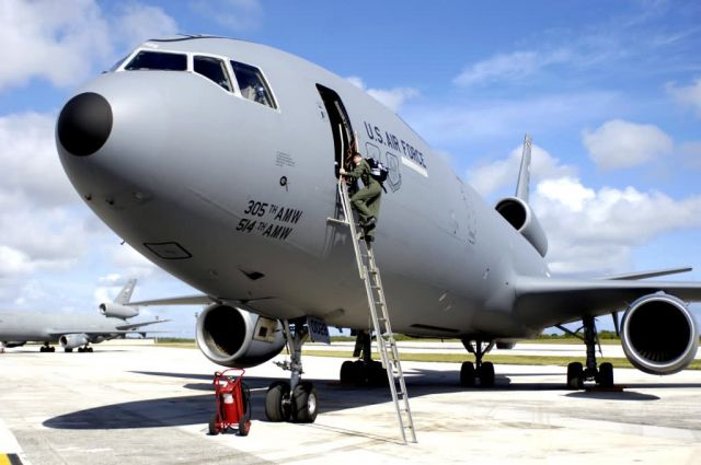 KC-10 Extender - Tankers keep 'em flying at Valiant Shield Picture