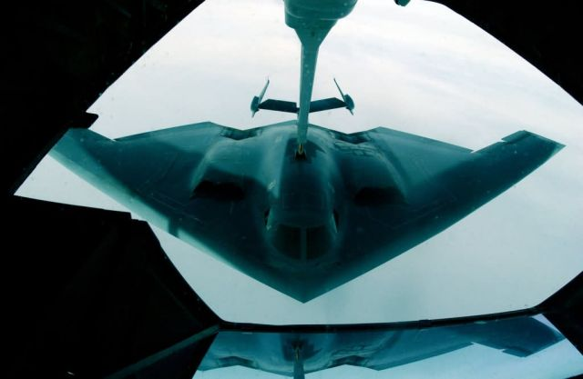 B-2 Spirit bomber - B-2s stay in shape with exercises Picture