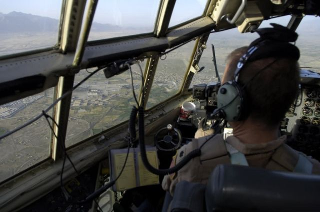 C-130 Hercules - Hercules lifts off Picture