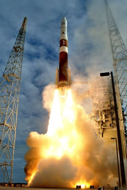 Delta IV booster - Launch of weather-tracking satellite successful Picture
