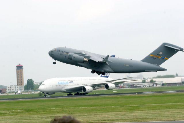 C-17 Globemaster III - U.S. opens Berlin Airlift Show with