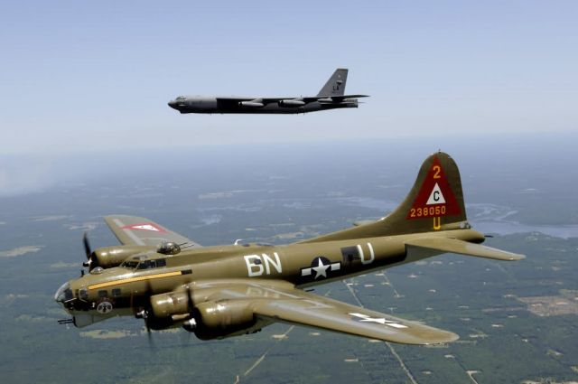 B-17G - Heritage flight Picture