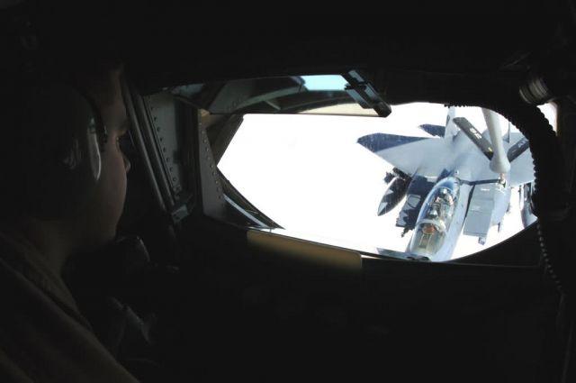 F-15E Strike Eagle - A view to a refuel Picture