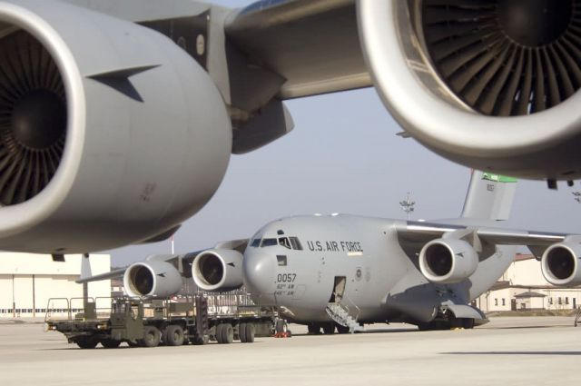 C-17 Globemaster III - C-17s would help USAFE's air mobility business Picture