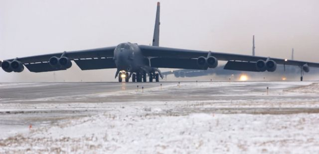 B-52 - On alert Picture
