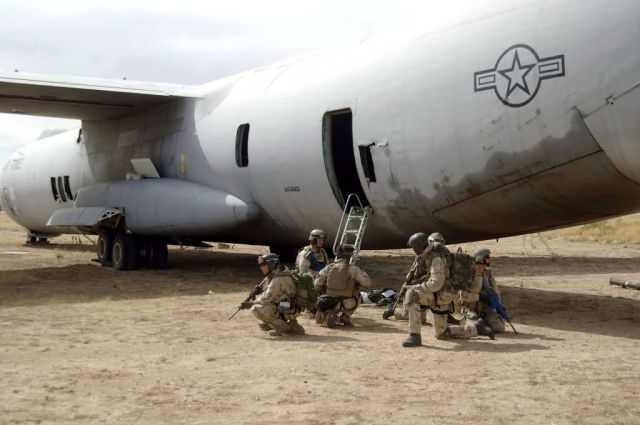 C-141 Starlifter - Joint exercise Picture