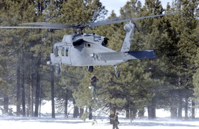 HH-60 PaveHawk - Snow lift Picture
