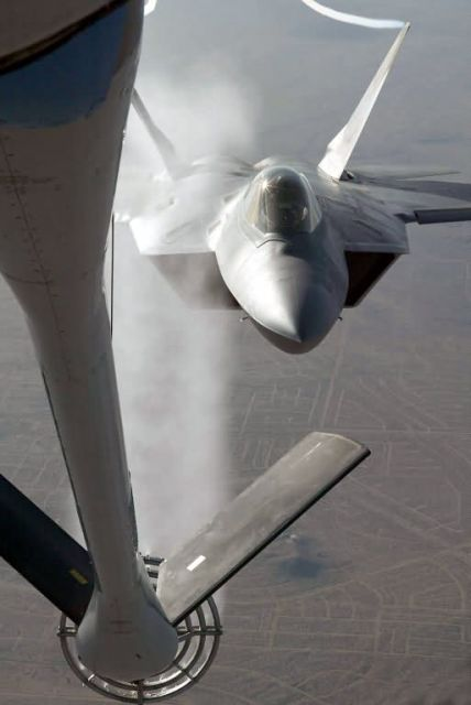 KC-135 - Give me water! Picture