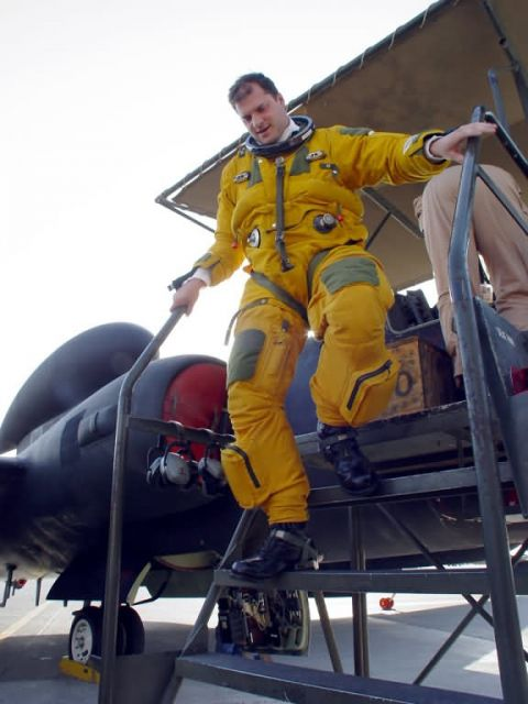 U-2 Dragon Lady - Getting hitched Picture