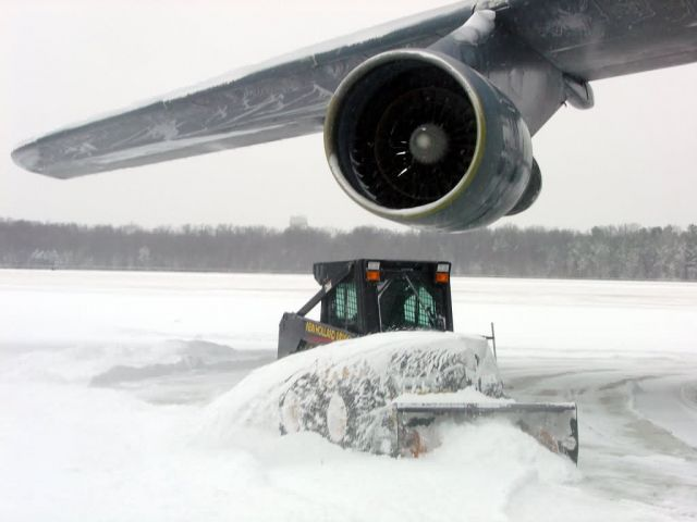 C-5 Galaxy - Snowy night Picture