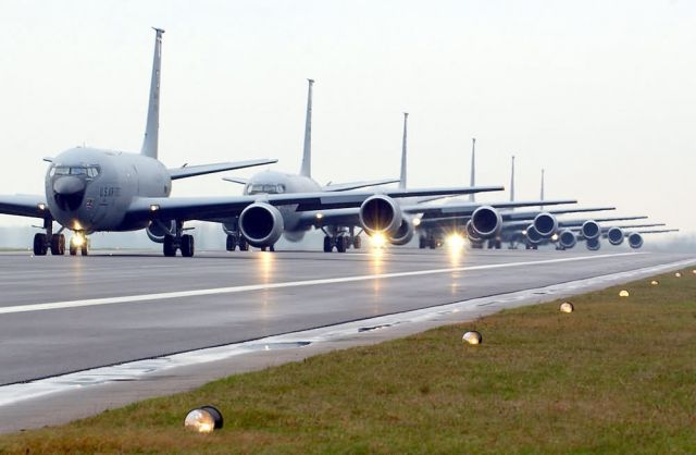 KC-135 - Follow the leader Picture