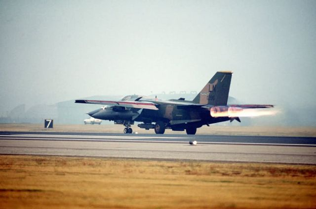 F-111F - F-111F Raven Picture