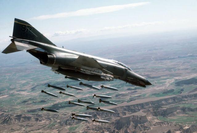 F-4E Phantom II aircraft Picture