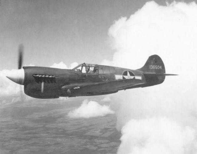 P-40E - Curtiss P-40E Picture