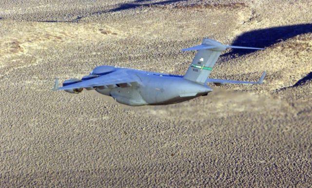 C-17 Globemaster III - C-17 debuts Picture