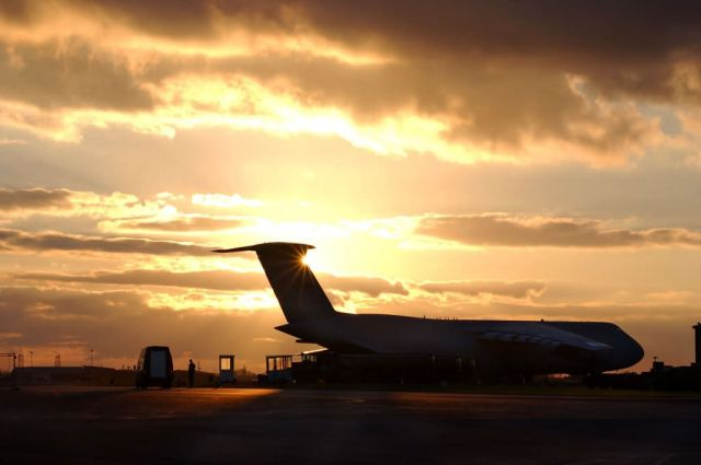 C-5 Galaxy - The sun sets on the Galaxy Picture