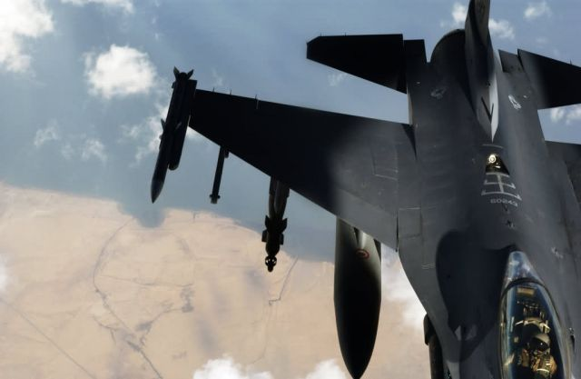 F-16 Fighting Falcon - Over the Tigris Picture