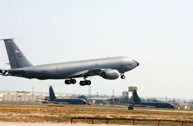 KC-135 - Tanker time Picture
