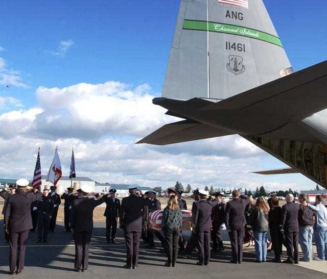 C-130 Hercules - Solemn salute Picture