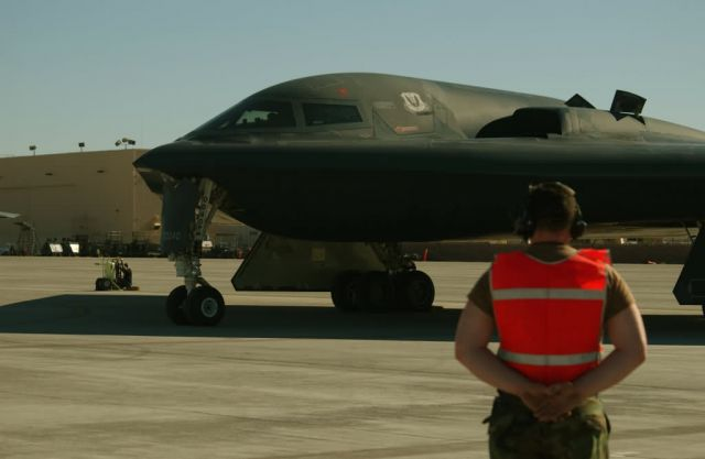 B-2 Spirit - Red Flag 04-01 Picture