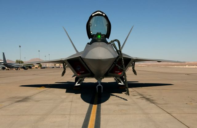 F/A-22 Raptor - Red Flag 04-01 Picture