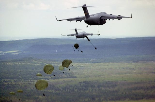 C-17 Globemaster III - Tactical airlift Picture