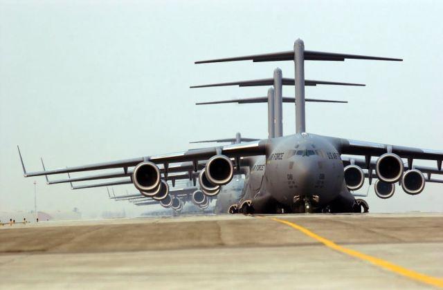 C-17 Globemaster III - Heavy lifters Picture