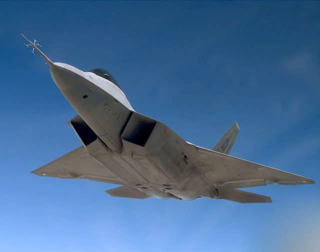 F/A-22 - Raptor in flight Picture