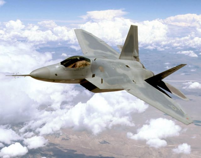 F/A-22 - Raptor cruising Picture
