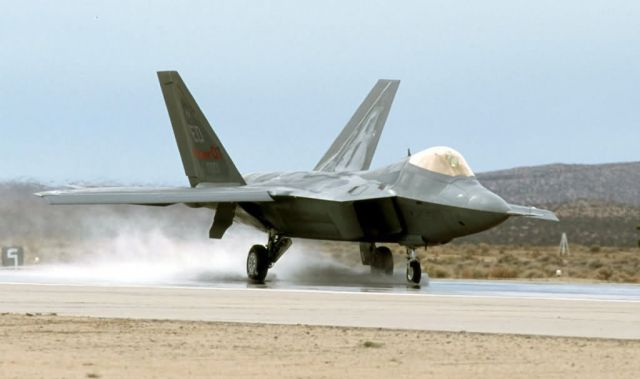 F/A-22 - Wet-runway testing Picture