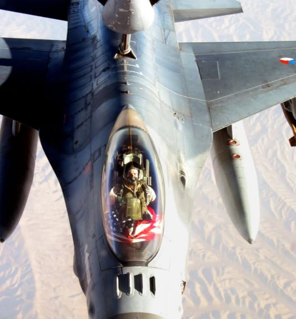 F-16 - Flying colors Picture