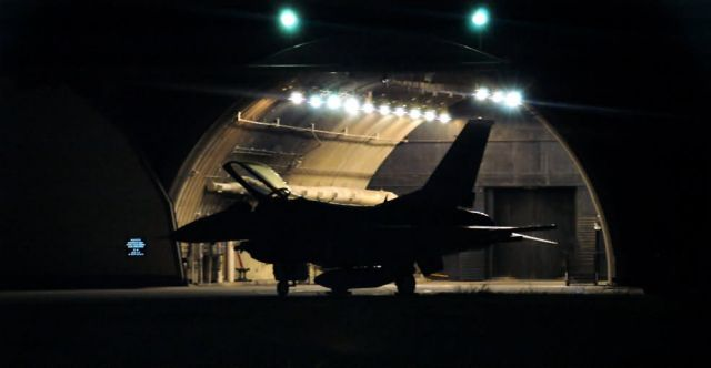 F-16 Fighting Falcon - Night missions Picture