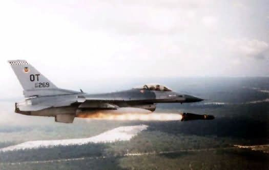 F-16 Fighting Falcon - Maverick launch Picture