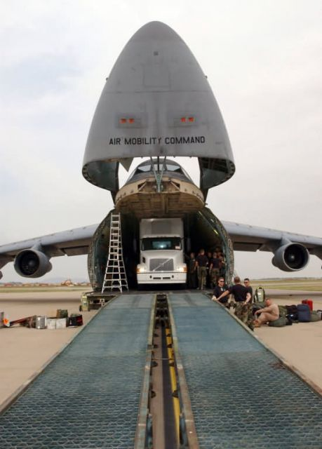 C-5 Galaxy - Open wide Picture