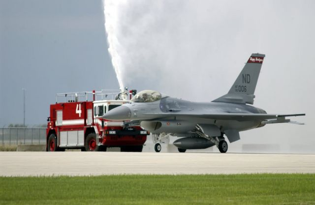F-16 Fighting Falcon - Safe Hooligans Picture